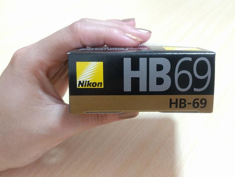 レンズフード(HB69)の箱は想像よりも薄かった