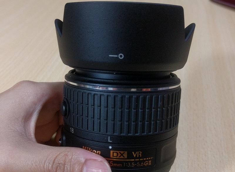 レンズフード(HB69)をD5500(赤)に付けるけど、これはまだダメ