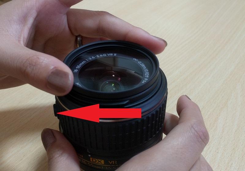 レンズフィルター(NC-52)をD5500(赤)をはめてみたところ