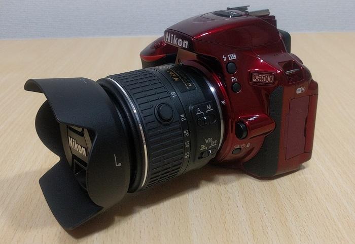 D5500(赤)にレンズフード(HB69)とレンズフィルター(NC-52)をつけてみた