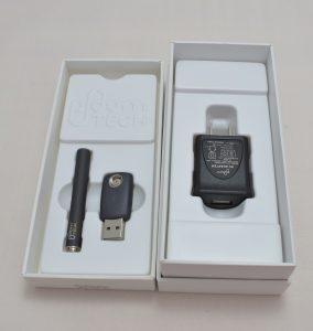 プルームテックの大きい箱の中身(バッテリー、USBソケット、ACアダプター)