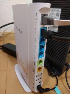 ソフトバンク光の光電話(N)を2回線使う時の光BBユニットの裏側