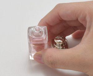 ディオールアディクトクリスマスオファーのミニ香水のボトル