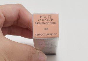 ディオールフィックスイットカラー200アプリコットの箱上側