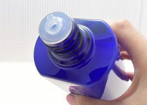 薬用雪肌精エンリッチのボトル口