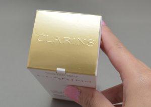 クラランストータルVセラムの箱上側