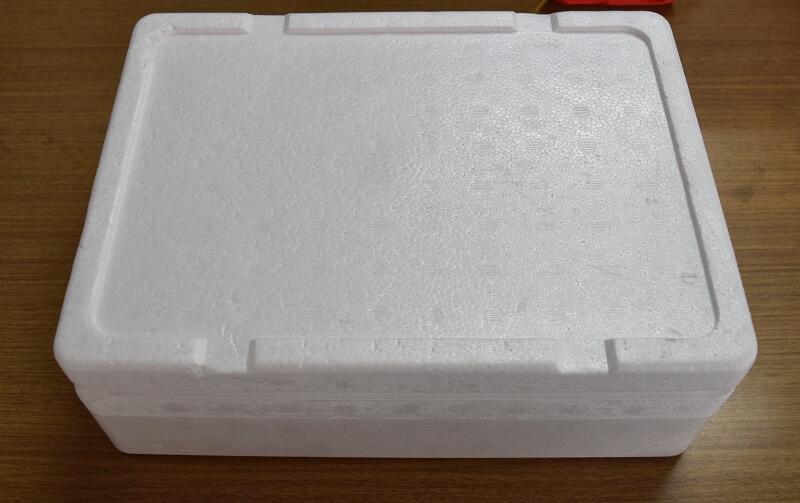 アイスクリームを発送する時の入れ物は発泡スチロール