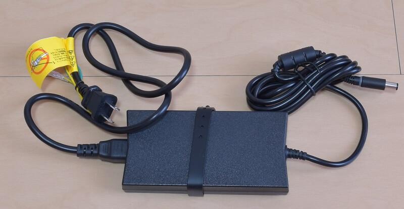 Dell / Inspiron 15 7000 (7567) Gaming プラチナの電源ケーブル