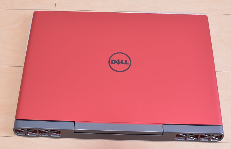 Dell / Inspiron 15 7000 (7567) Gaming プラチナ本体