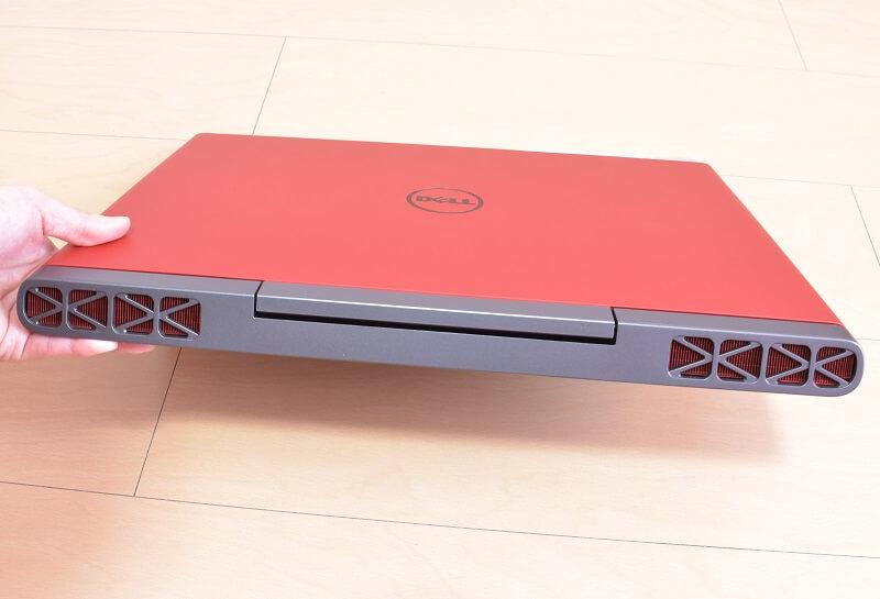Dell / Inspiron 15 7000 (7567) Gaming プラチナ本体の背面