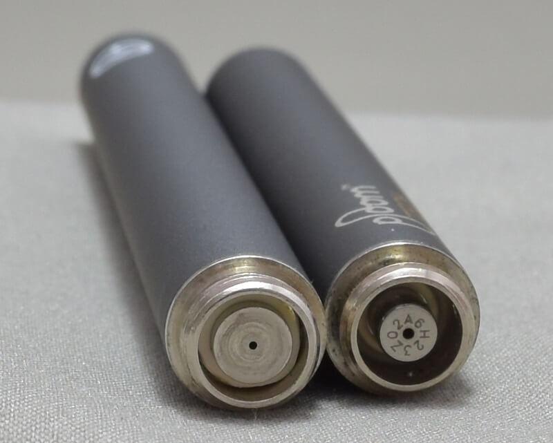 プルームテックの互換バッテリー「Ocean-C」とプルームテックのネジの比較