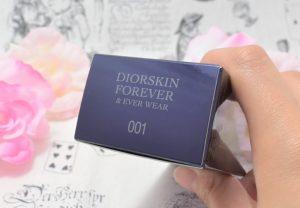 ディオールスキンのフォーエヴァー&エヴァーベースの外箱上面