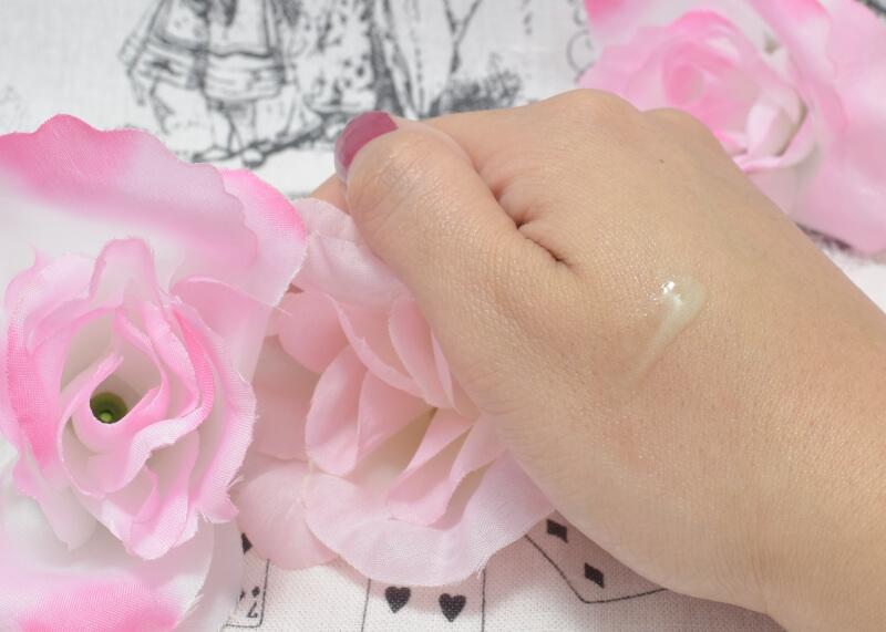 フローフシ / LIP38℃ リップトリートメント ₋2℃(アイスグリーン)を手の甲に塗ってみた