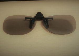イオンシネマの400円のクリップオン型の3Dメガネ