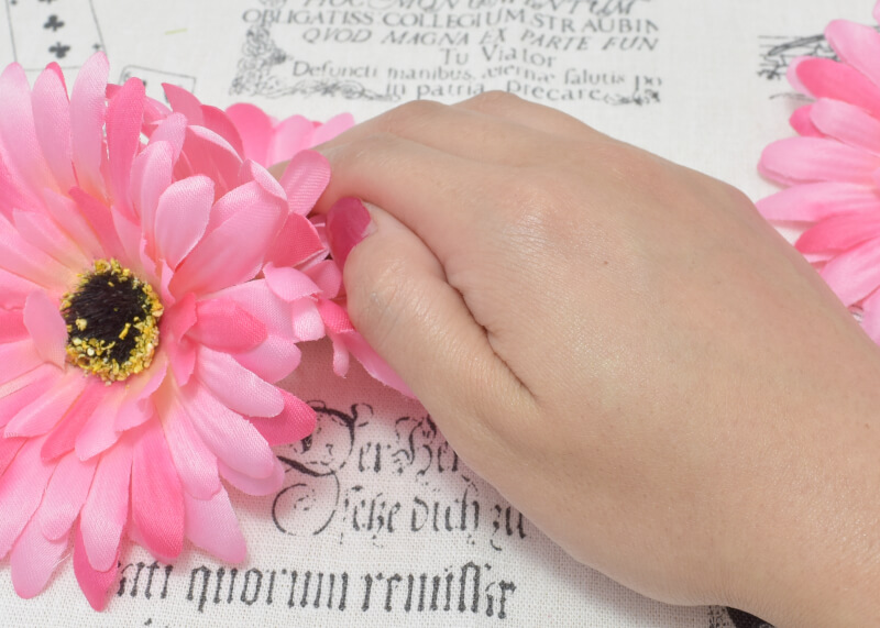 ソフィーナ プリマヴィスタ 皮脂くずれ防止化粧下地(旧)を手の甲に塗って伸ばしてみた