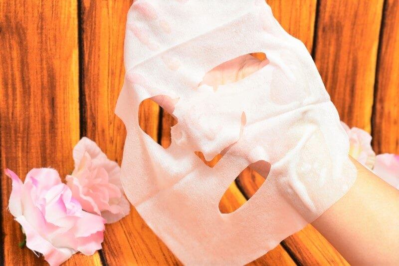 サボリーノ 目ざまシート 贅沢果実の濃密タイプ(ゆずシトラスの香り)のフェイスマスクを広げてみた