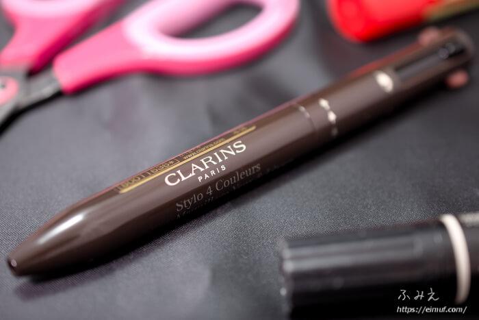 見た目もユニークなクラランスのフォーカラーマルチペン!!使いやすいのか徹底検証!