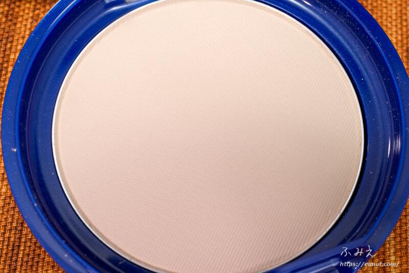 トランシーノ 薬用UVパウダー のパウダー面