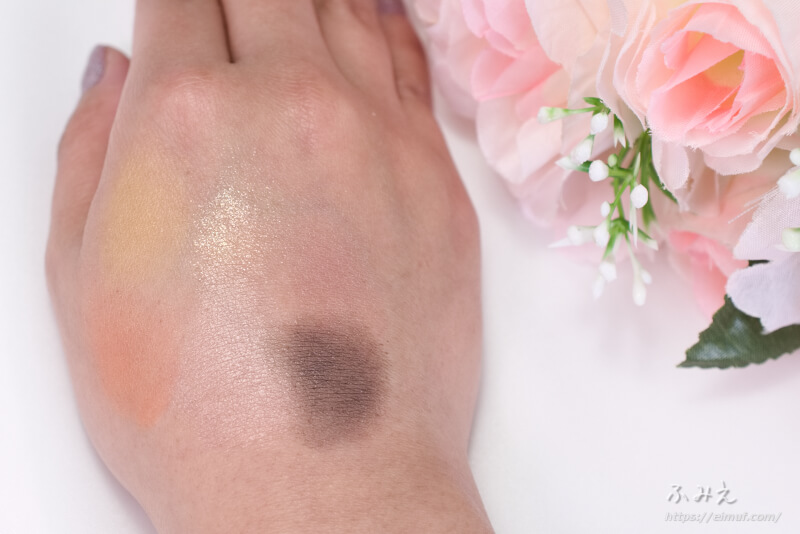 コフレドールの10周年記念アイパレット「6セレクションアイズ」#01(サニーブラウン) を手の甲に塗ってみた