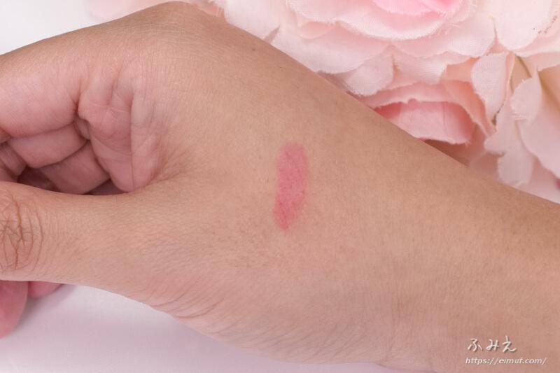 3CE ベルベット リップティント #BEST EVER を手の甲に塗ってすぐにふきとってみた