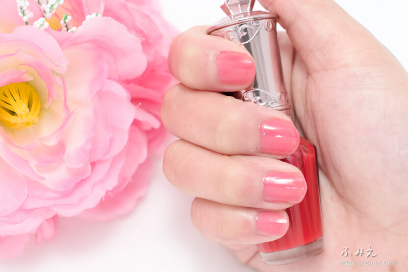 ジルスチュアート ストロベリースイーツ ネイルズ #125(toffee strawberry) を爪に塗ってみた