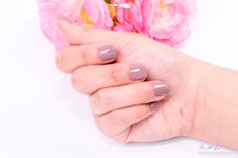 エクセル ネイルポリッシュN #NL06(ドライフラワー) を爪に塗ってみた
